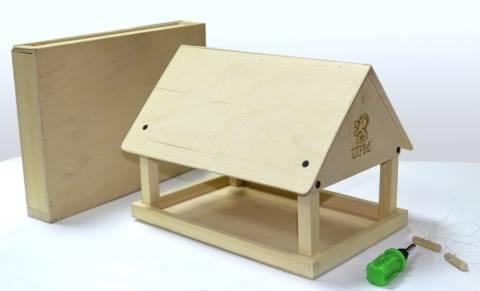 Автоматическая кормушка для кур: принцип работы, виды, плюсы и минусы, самодельные модели