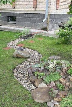 Сухой ручей из камней и цветов – ландшафтный дизайн пересохшего русла