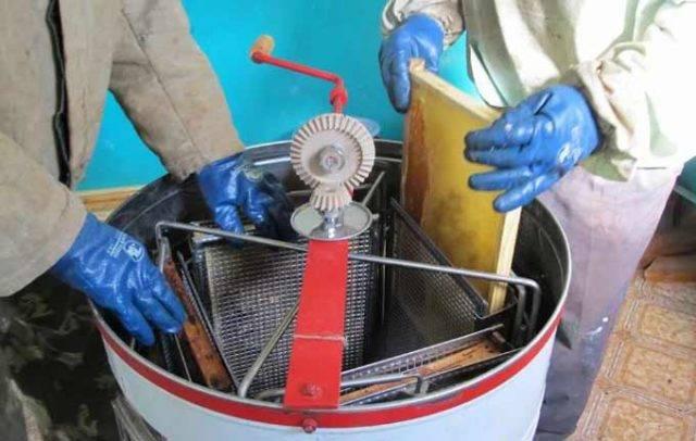 Оборудование и инвентарь для пчеловодства