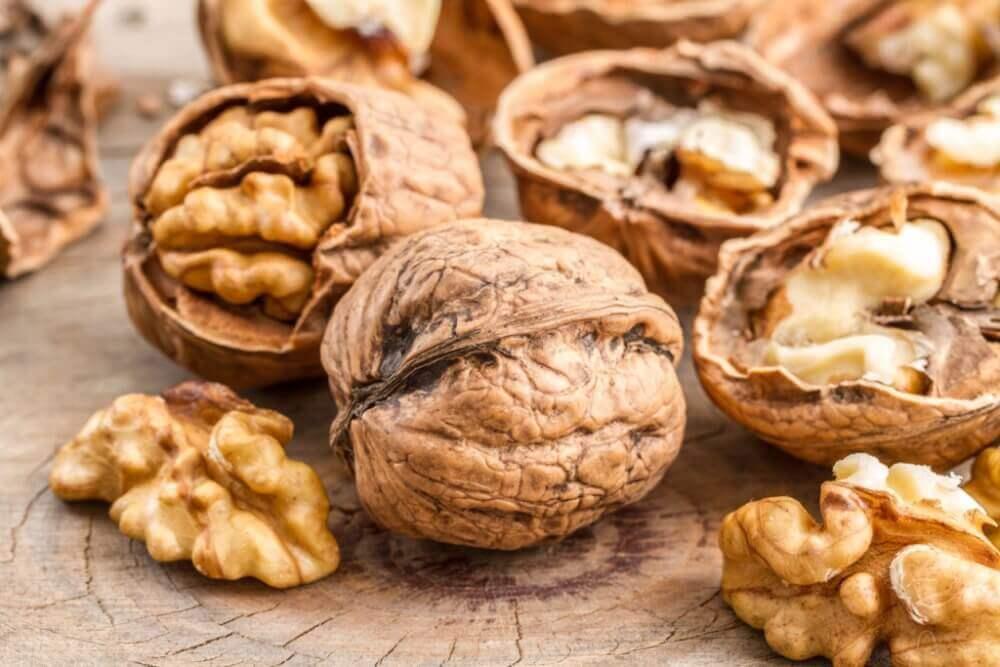 Какая польза от скорлупы грецких орехов для организма