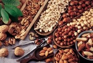 Орехи (грецкие, кедровые, бразильские, кешью) при беременности: польза и вред, можно ли на ранних и поздних сроках