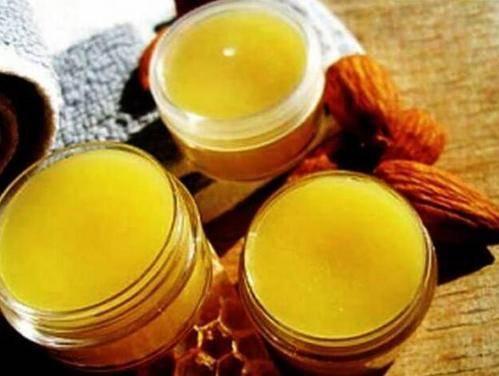 Применение мази из воска масла и желтка