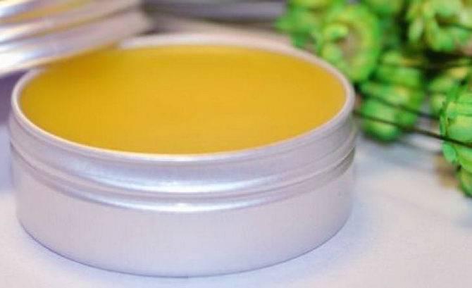 Чудо мазь из пчелиного воска и желтка: свойства, рецепт, отзывы и мнение врачей