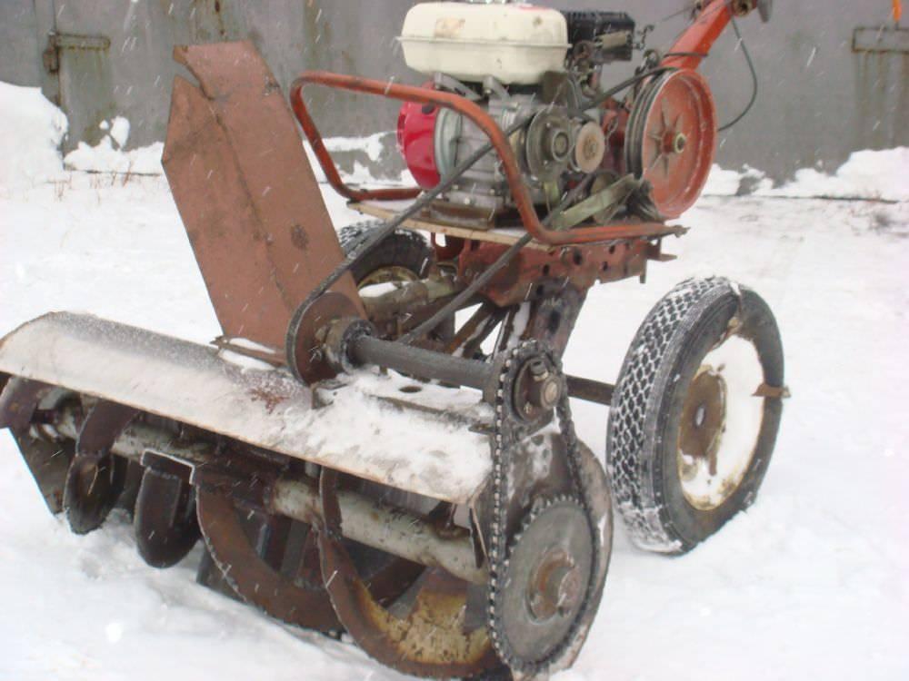 Самодельный снегоуборщик из двигателя от мотоблока