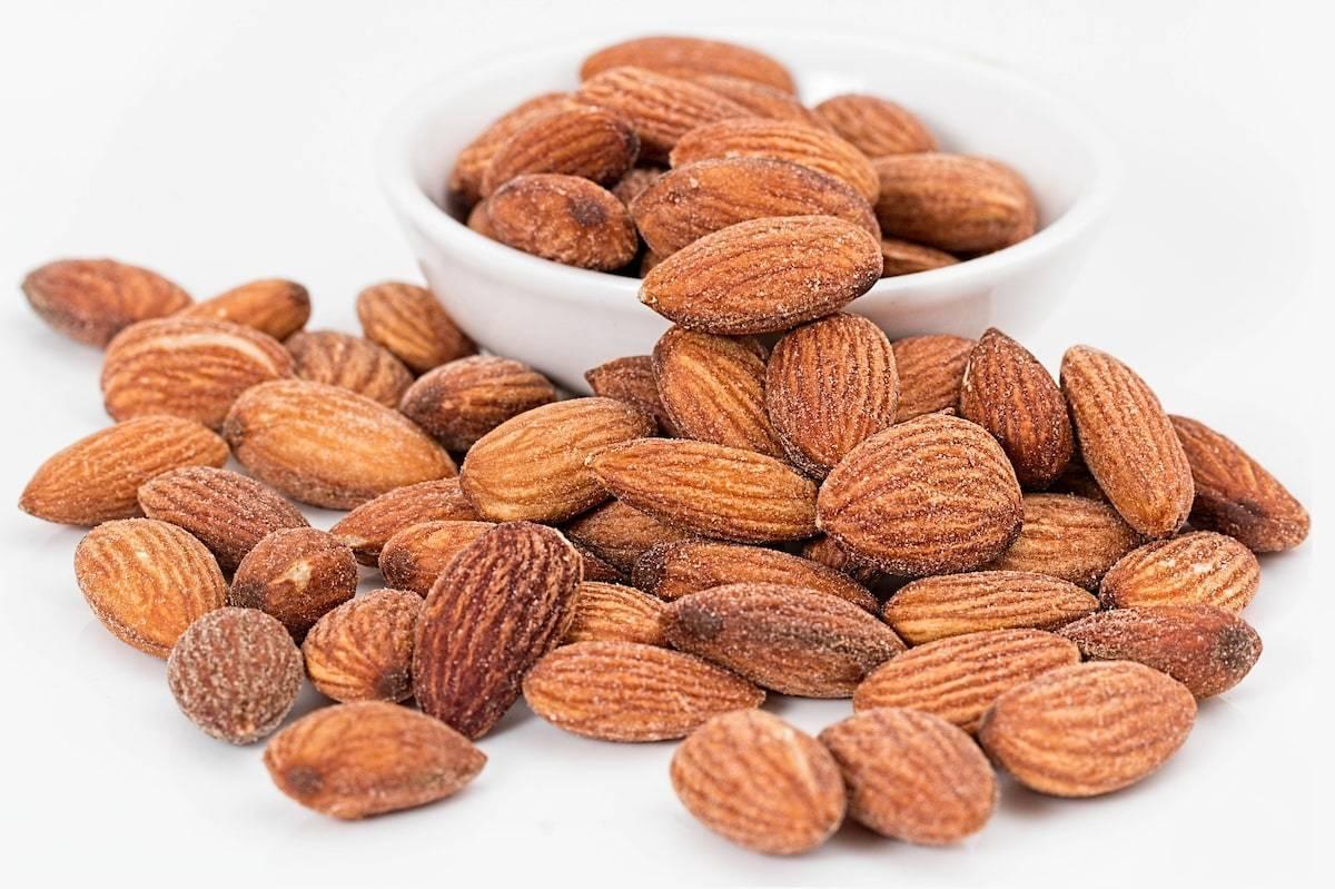 Миндаль: польза и вред орехов