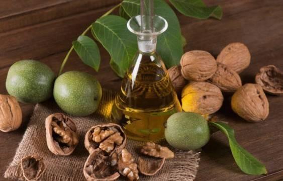 Лечебные свойства и противопоказания перегородок грецкого ореха, рецепты настоек на водке, спирту