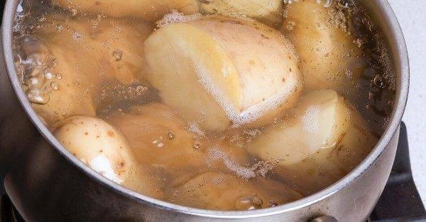 Почему темнеет отварной картофель при остывании