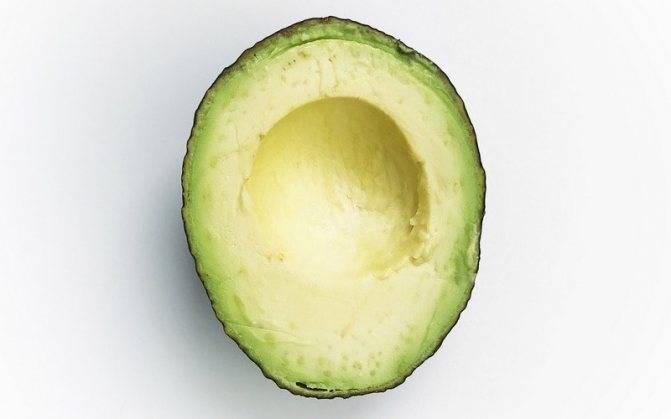 Как дозреть авокадо в домашних условиях: как и где хранить неспелый плод для дозревания и сколько времени потребуется