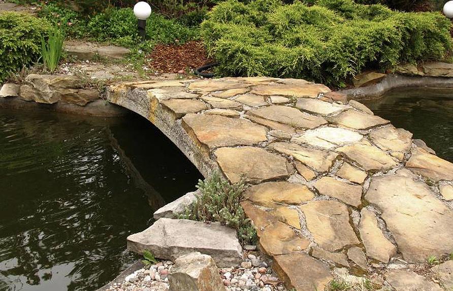 Как сделать мост через пруд своими руками