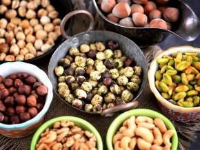 Как пожарить орехи правильно? рецепты жареных орешков на сковороде, в духовке и микроволновке