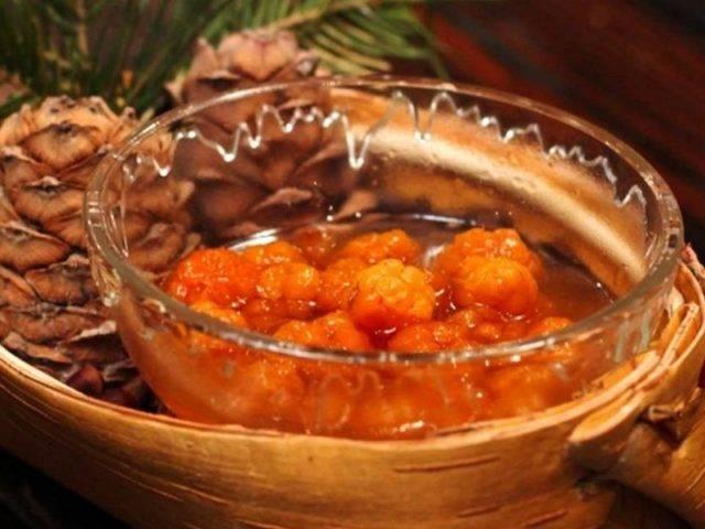 Как хранить морошку на зиму в домашних условиях свежей, замороженной и в виде консерваций