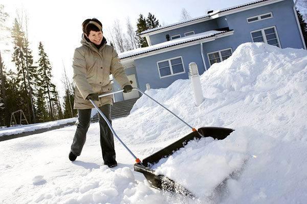 Прочная и удобная лопата для снега своими руками