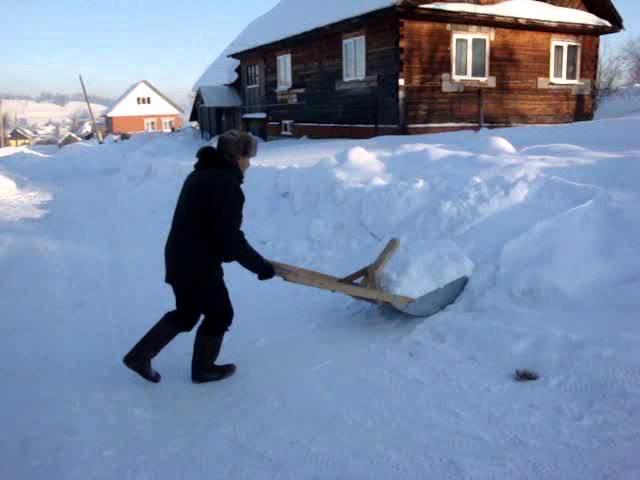 Как сделать скребок для уборки снега своими руками