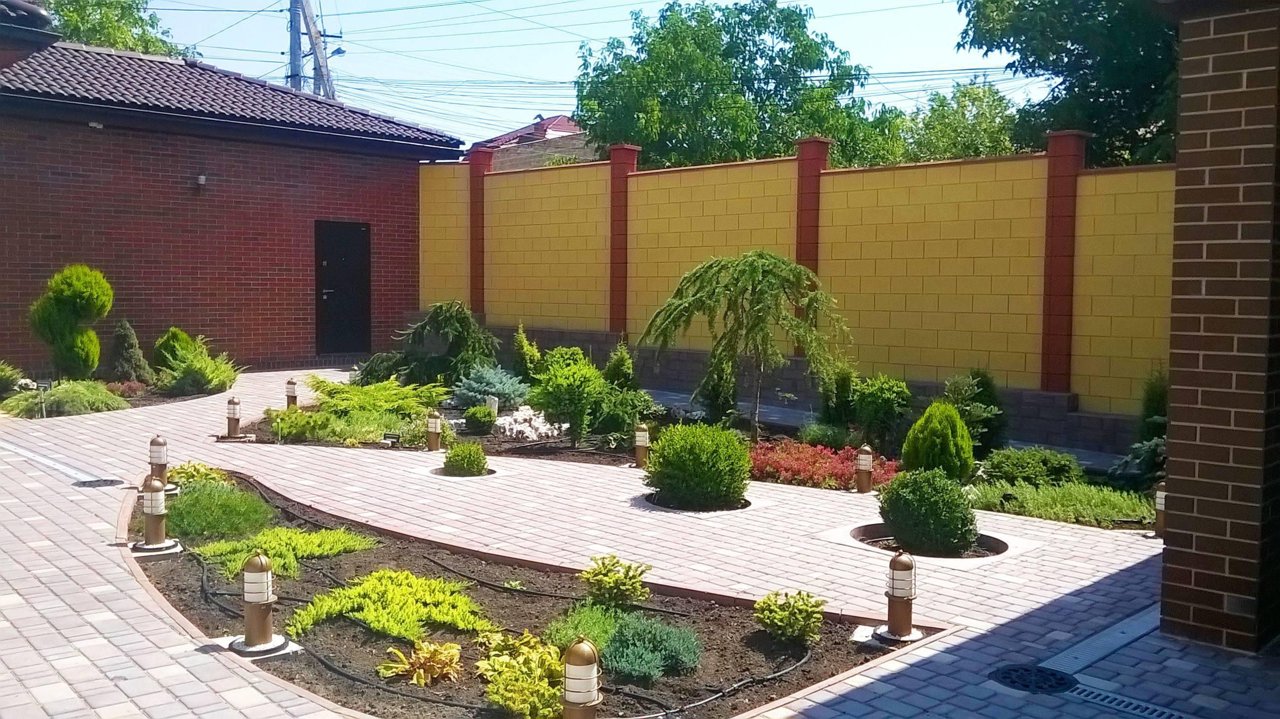 Свежий воздух с комфортом: идеи обустройства частного двора в фотографиях, советы дизайнеров