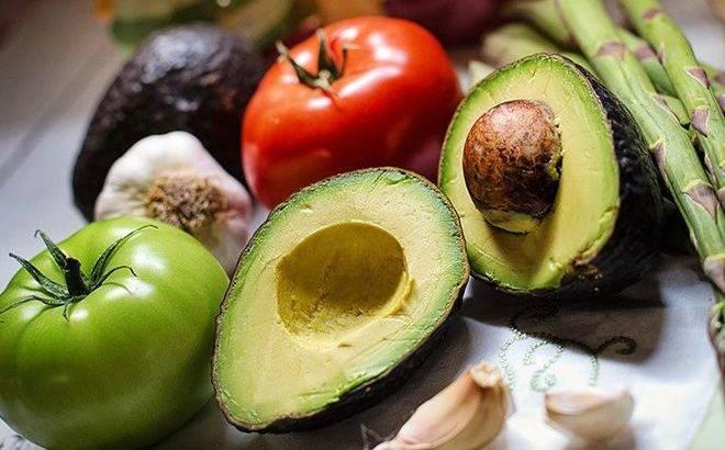 Авокадо с яйцом в духовке: рецепт и фото