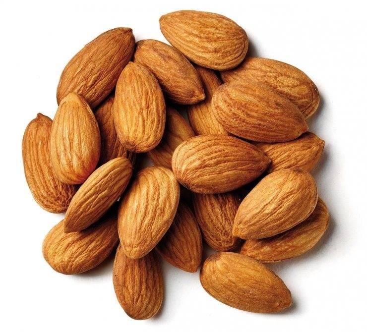 Миндаль или грецкий орех: как определить, что полезнее, а что вреднее и чему лучше отдать предпочтение?