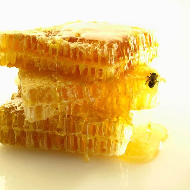 Пчелиный воск — побочный продукт пчеловодства или лекарство от многих недугов