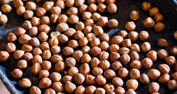 Как жарить грецкие орехи на сковороде и в духовке