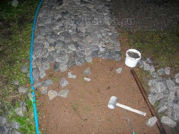 Как сделать садовые дорожки из старых автопокрышек на дачном участке?