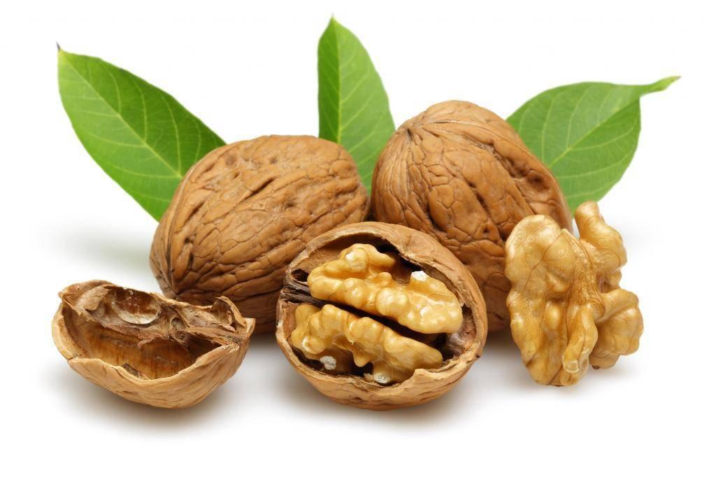 Нам орешки по зубам: как правильно очистить и расколоть грецкий орех