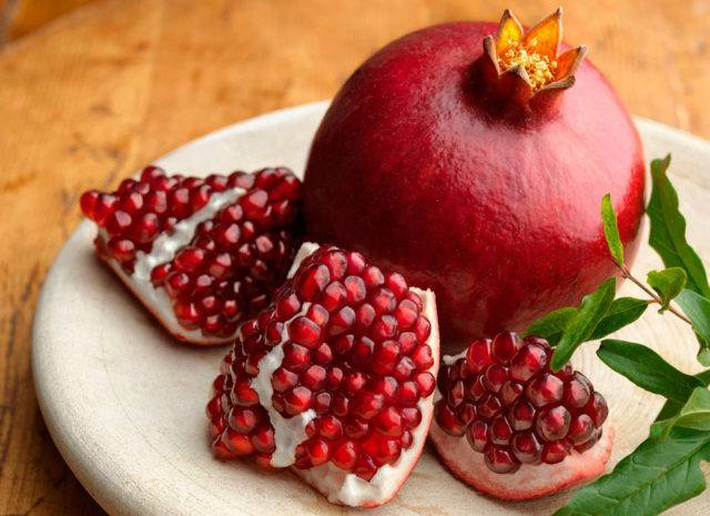 Корки граната — помощник при многих недугах. лечебный эффект и свойства плодовой кожуры