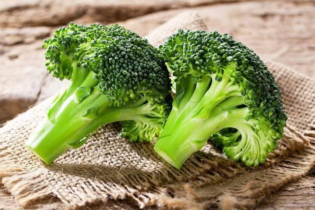 Какими полезными свойствами обладает капуста брокколи и есть ли у нее противопоказания? состав и применение овоща