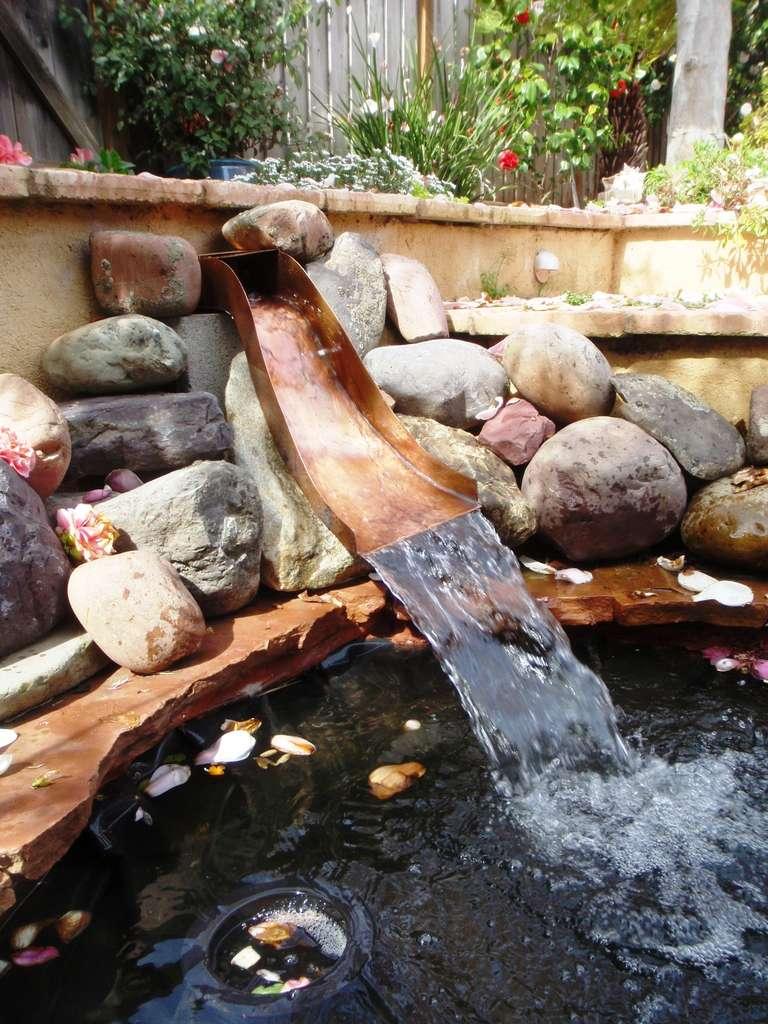 Как сделать своими руками садовый пруд с водопадом