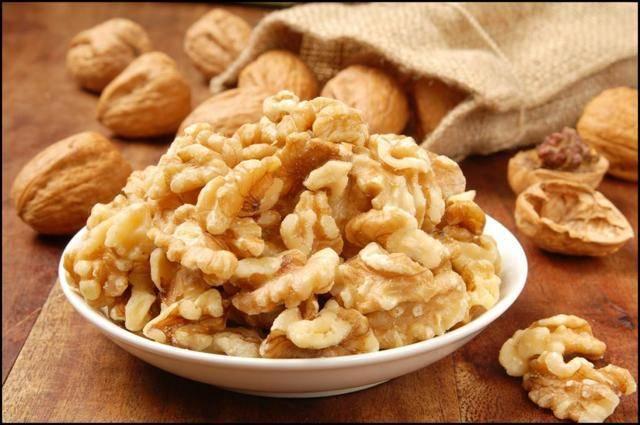 Польза и вред для организма от употребления грецкого ореха