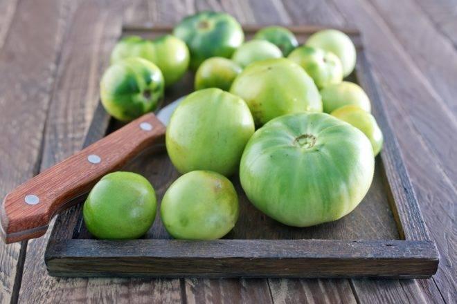 Как и что сделать, чтобы помидоры быстрее краснели дома
