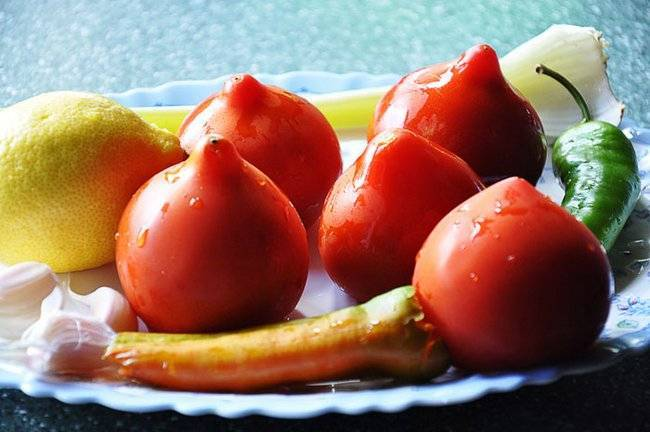 """Томат """"юбилейный тарасенко"""": описание сорта, особенности выращивания, фото помидор"""