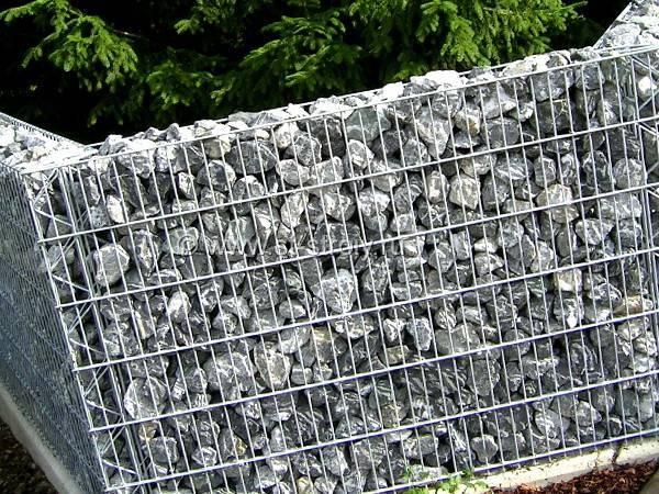 Делаем габионы из сетки своими руками: пошаговая инструкция