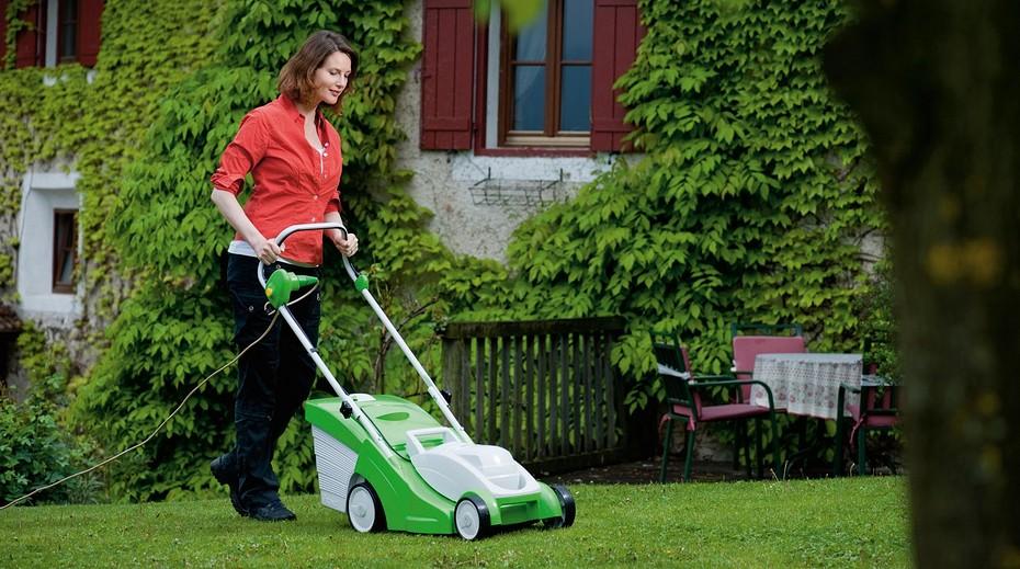 Бензиновые газонокосилки (100 фото): рейтинг лучших самоходных моделей. как выбрать ручную газонокосилку для травы: обзор. устройство