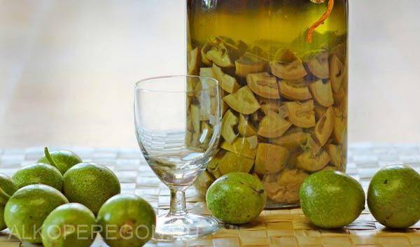 Настойка из перегородок грецкого ореха