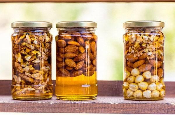 Грецкие орехи с добавлением мёда, рецепт