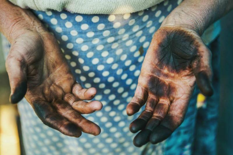 Чем отмыть руки от грецких орехов