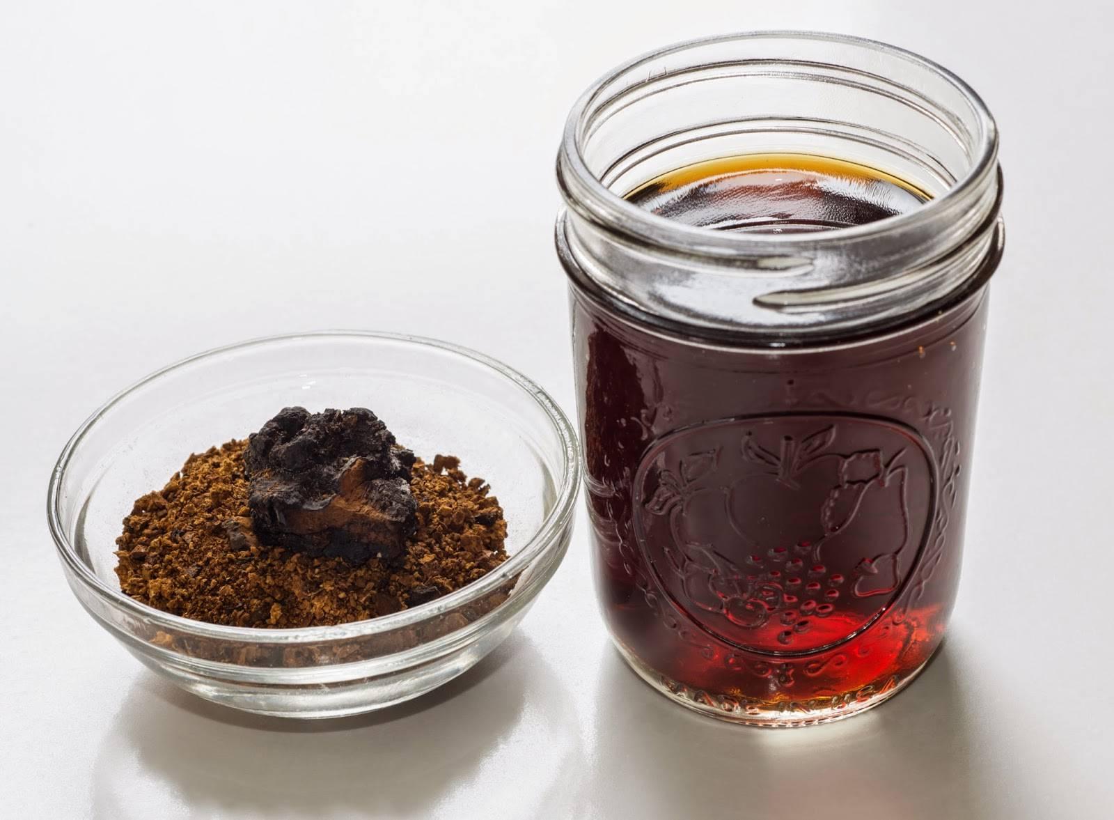 Настойка и применение самогона на чаге в домашних условиях. полезные свойства и противопоказания