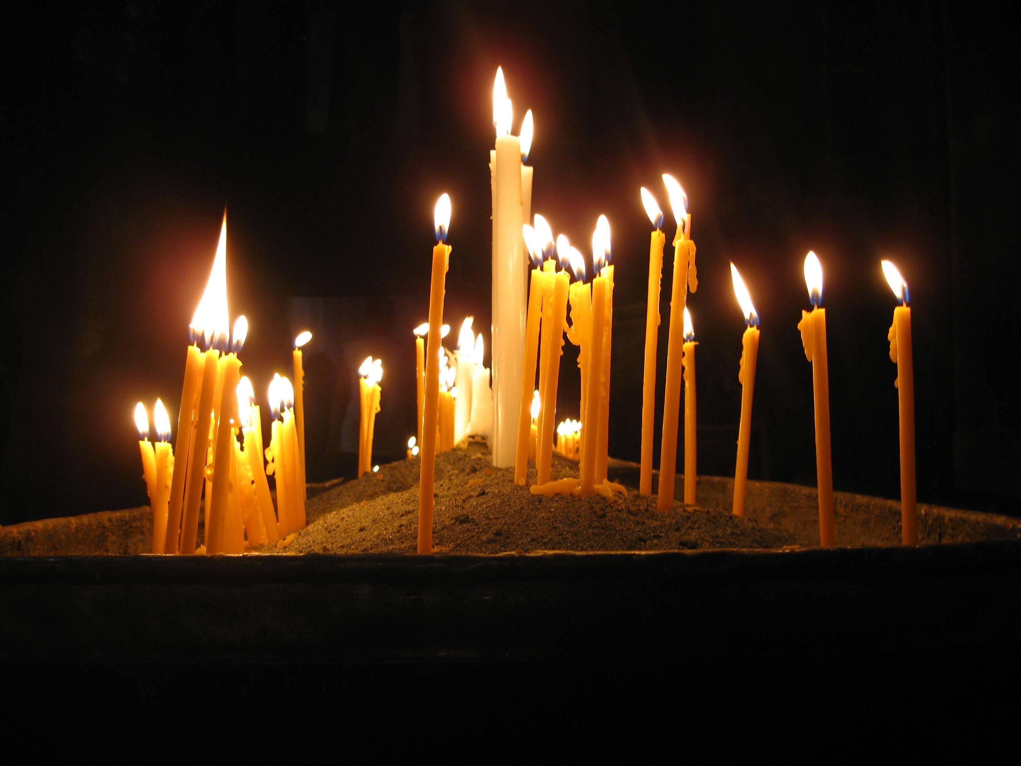 Свечи из вощины и воска своими руками: мастер-класс по изготовлению свечек из пчелиного и соевого воска с травами в домашних условиях