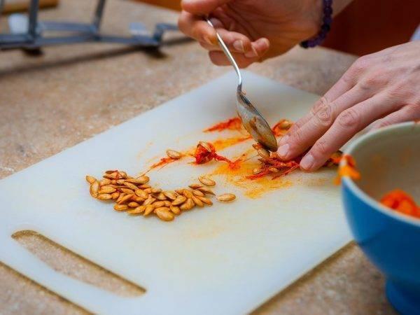 Как очистить тыквенные семечки от мякоти
