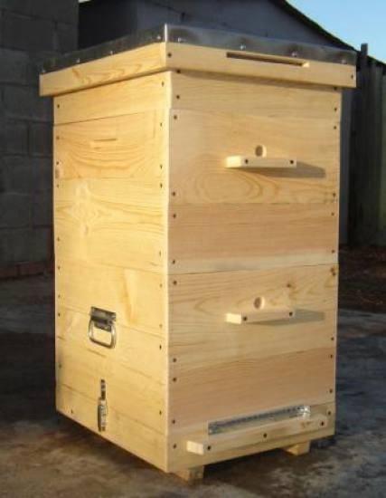 Как самостоятельно изготовить пчелиный улей?