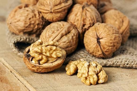 Перегородки грецких орехов: применение в целях лечения