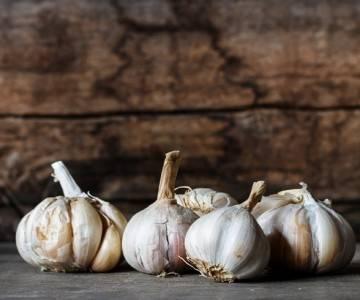 Способы успешного хранения зимнего чеснока в домашних условиях