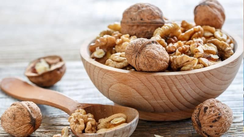 Как принимать настойку зеленого грецкого ореха?