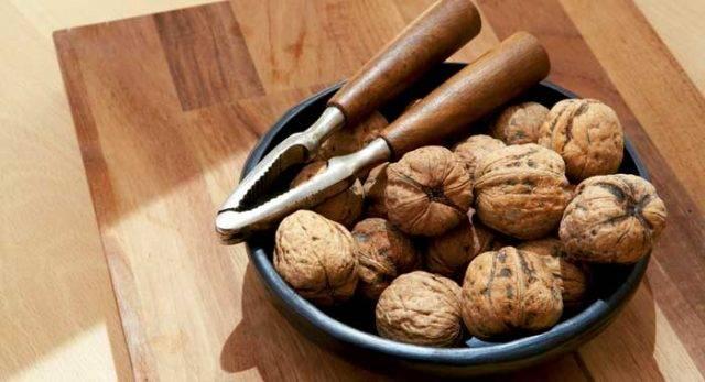 Какие орехи можно кормящей маме