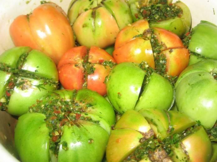 Как хранить зелёные помидоры, чтобы они покраснели