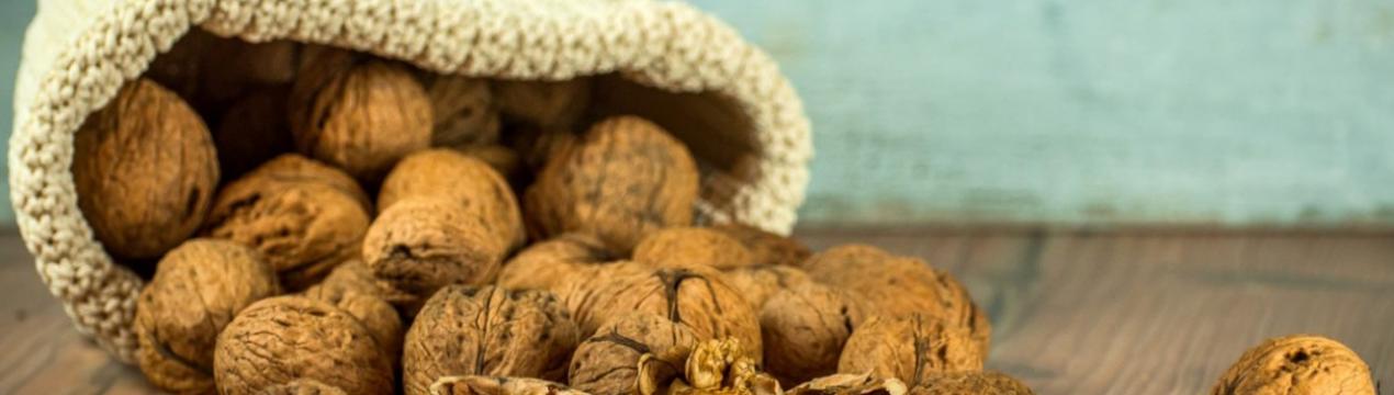 Как быстро и легко расколоть грецкий орех в домашних условиях
